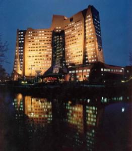 Marius Ballieux, Architectenbureau Alberts & Van Huut, Amsterdam